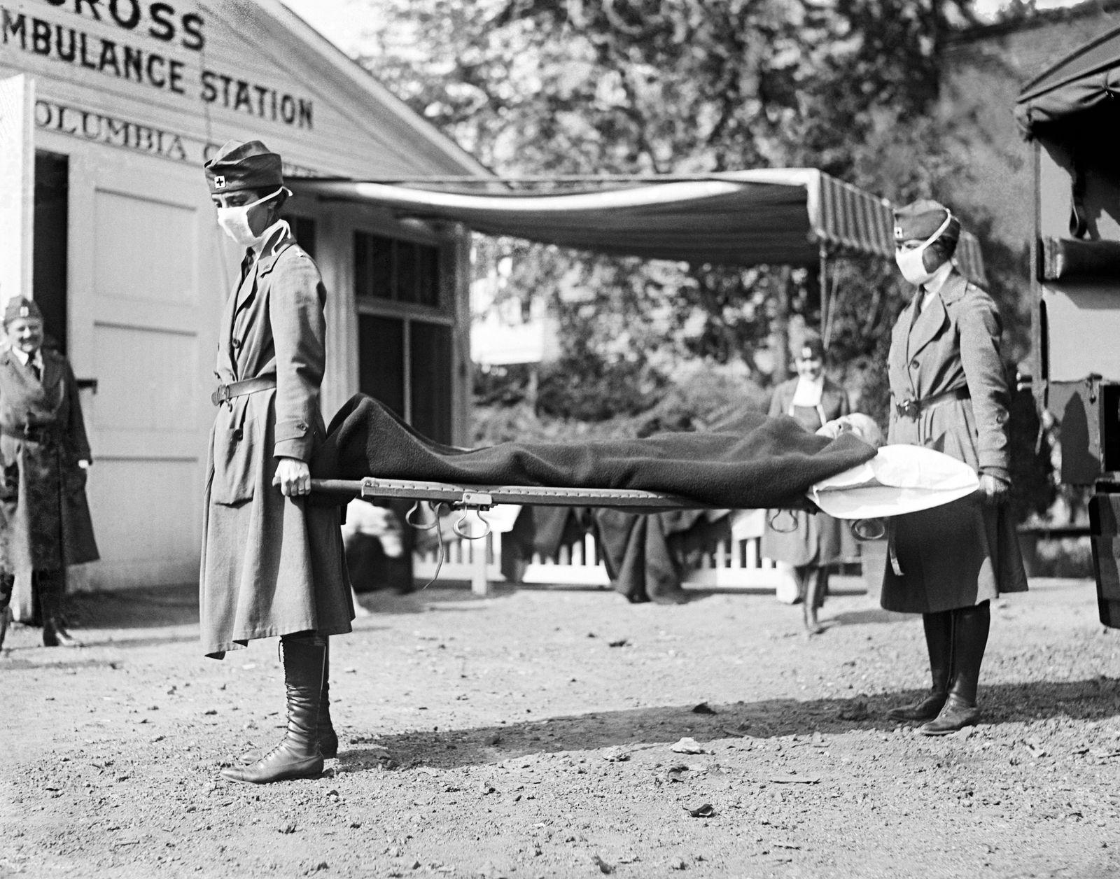 Red Cross Influenza Nurses