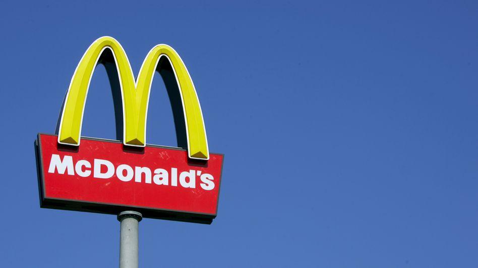 Leuchtreklame von McDonald's: Schadensersatzklage gegen die Fast-Food-Kette