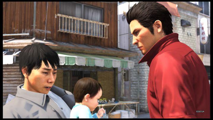 Kazuma (rechts) mit dem Baby