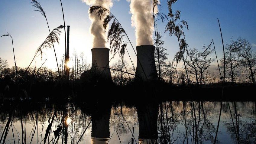Atomkraftwerk in Bayern: Schadensersatz vom Bund wegen jeder Menge Verfahrensfehler