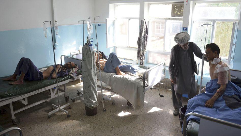 Verwundete in der afghanischen Stadt Gasni behandelt (August 2018)