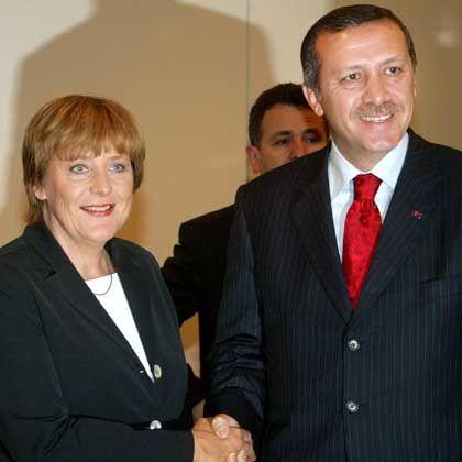 """Merkel und Erdogan (im September 2003): """"Iftar Essen"""" in Istanbul"""