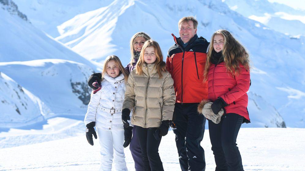 Niederländische Königsfamilie im Winterurlaub: Schneekrone
