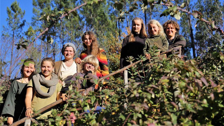 Line Fuks (oben rechts) und ihre Großfamilie in Portugal