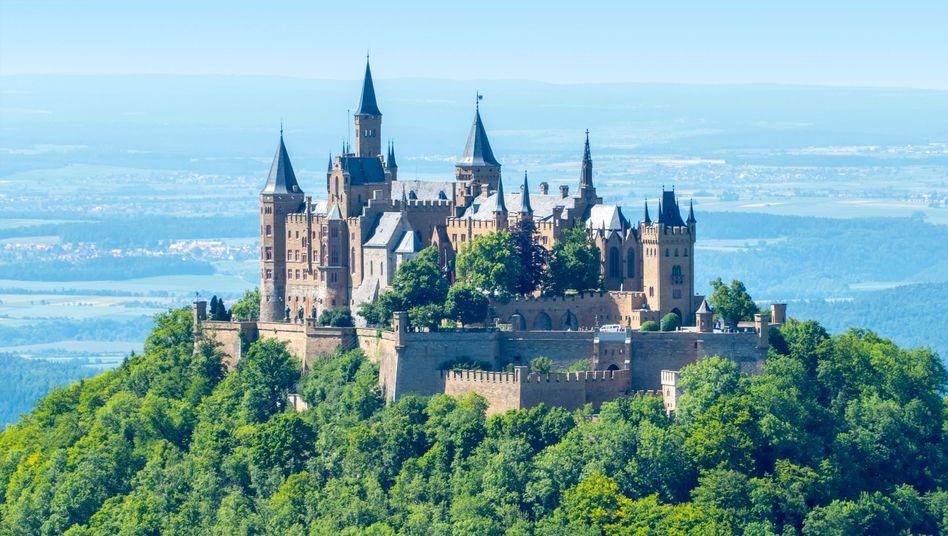 Burg Hohenzollern (bei Hechingen in Baden-Württemberg)