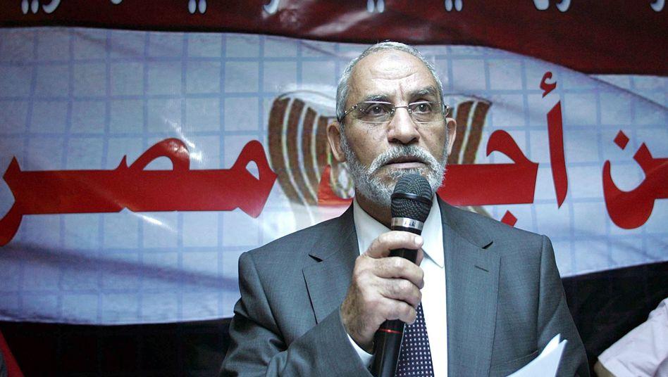 Machtkampf in Ägypten: Militär nimmt Chef der Muslimbrüder fest