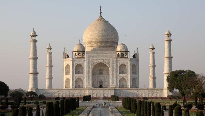 Taj Mahal: Aus Marmorweiß wird Nikotingelb