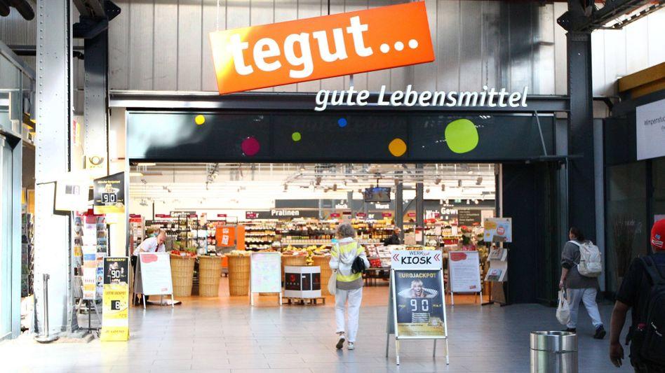 Ein Supermarkt von tegut - hier noch mit Kassen