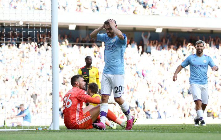Fassungslos: Nach dem 7:0 fasste sich Bernardo Silva an den Kopf