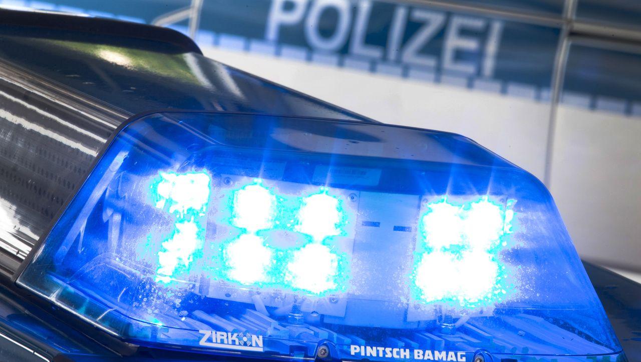 Festnahme bei Hamburg: Frau soll Baby auf dem Gehweg geboren und liegen gelassen haben