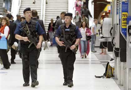 London: Polizisten in Alarmbereitschaft