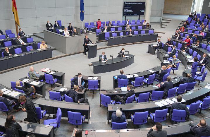 Deutscher Bundestag: Platzt er bald aus allen Nähten?
