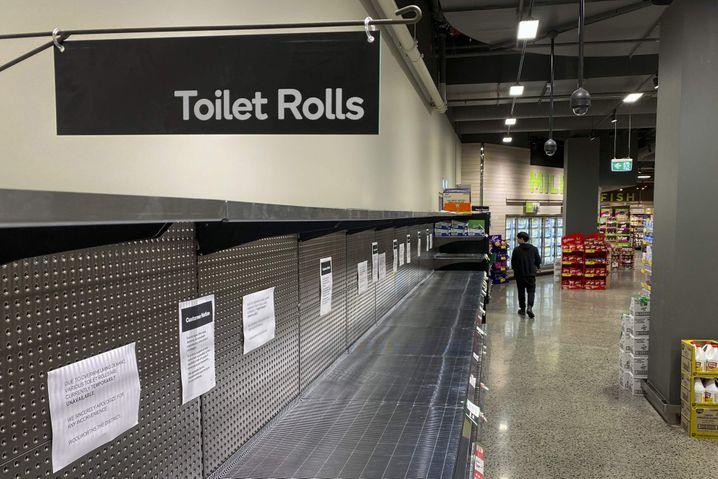 Leere Regale in einem Supermarkt in Melbourne