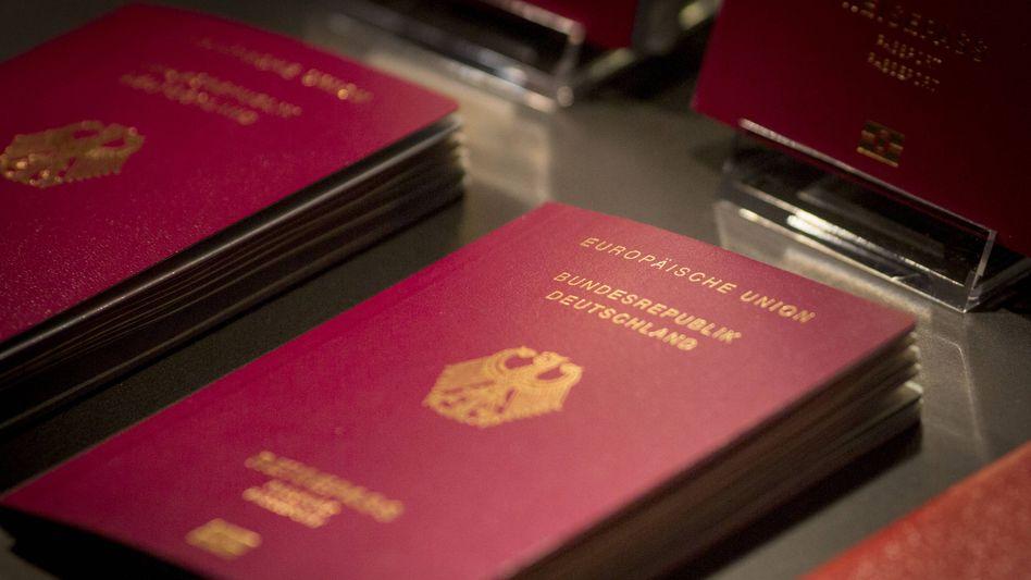 Deutscher Reisepass: Auch die Coronapandemie ist für die sinkende Einbürgerzahl verantwortlich