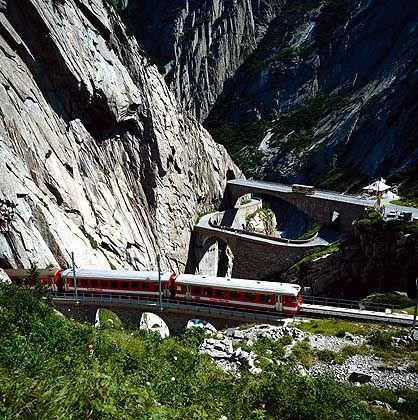 Gotthardpass: Die alte und die neue Teufelsbrücke