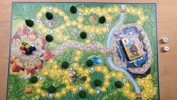 Die alte (links) und die neue Version des Spielbretts von »Sagaland«
