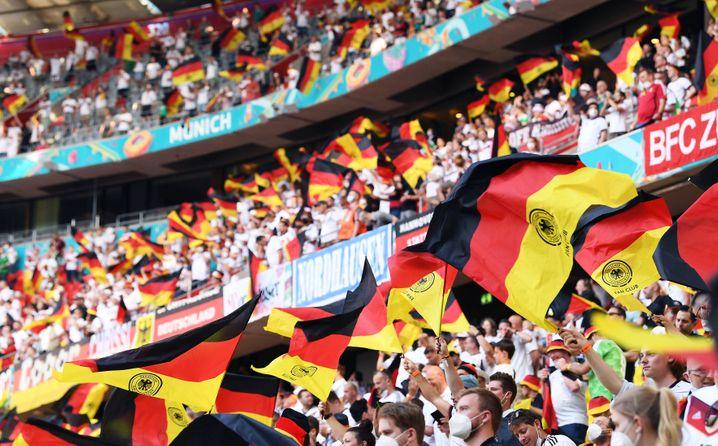 Die Einhaltung der Corona-Schutzmaßnahmen bei EM-Spielen in München hat sich verbessert