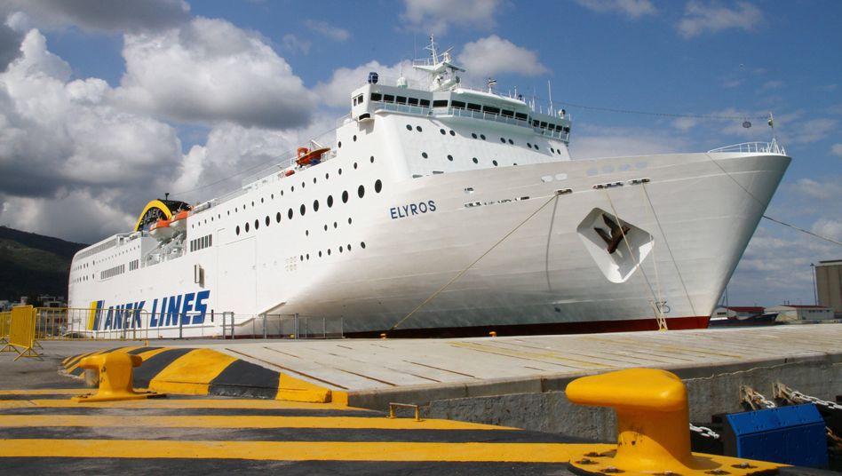 """""""Elyros""""-Fähre (Archivbild vor Kreta): Auf diesem Schiff tagt Libyens Parlament"""