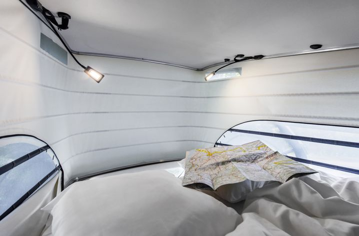 Aufstelldach: Komfortbett mit Platz für zwei Personen