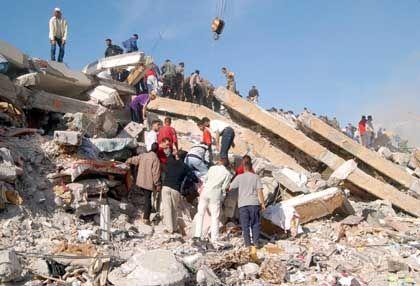 Auch in Algier kamen Hunderte Menschen um
