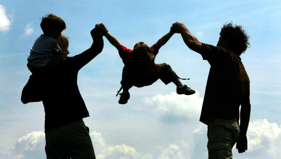 Familie: Erbgut und Kindheit entscheiden weniger über Zufriedenheit als angenommen