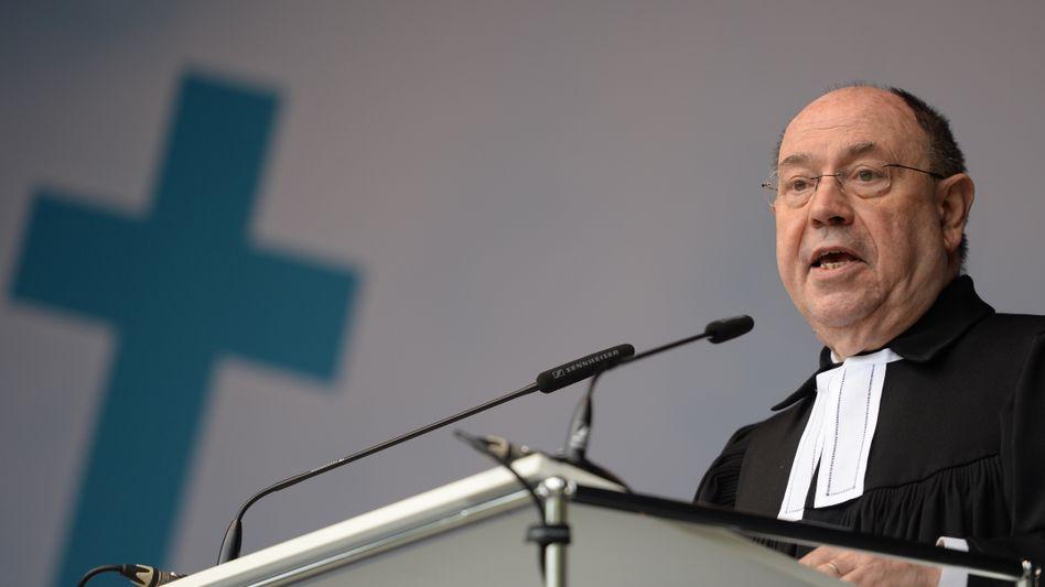 """EKD-Ratsvorsitzender Schneider (im Mai): """"Darüber haben wir zu debattieren"""""""