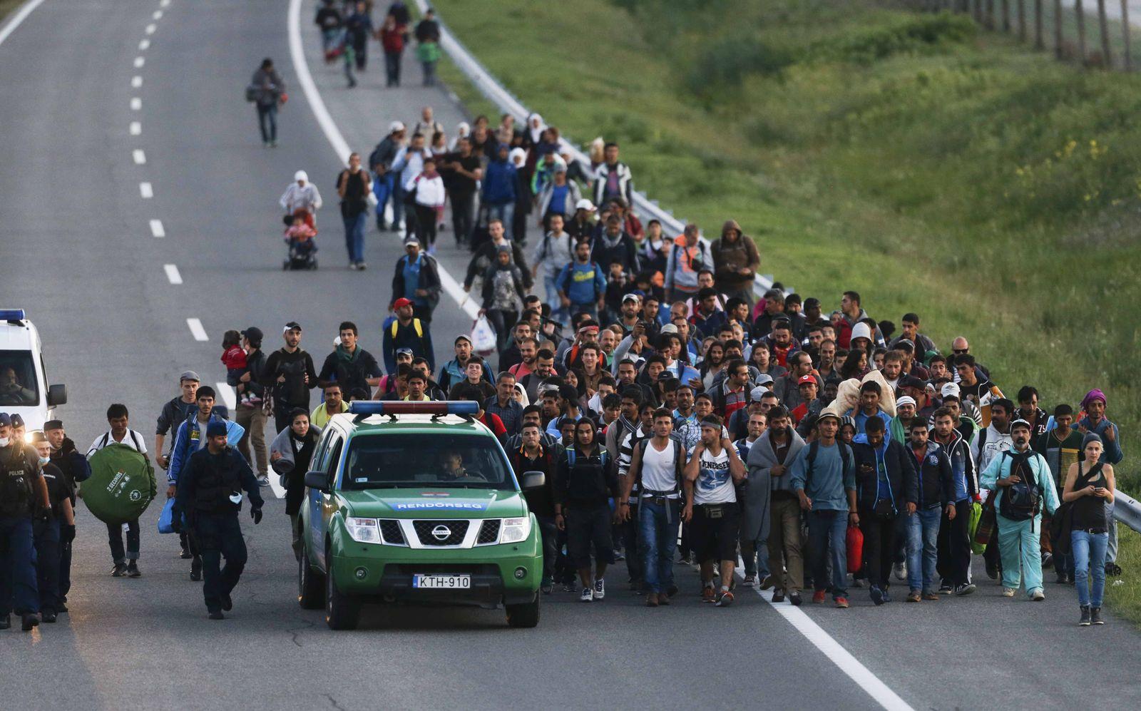 ungarn flüchtlinge autobahn