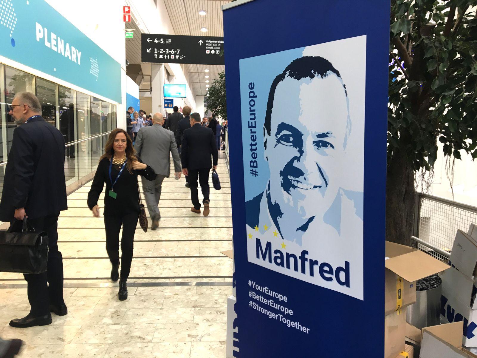 Wahlplakat von Manfred Weber auf dem EVP-Kongress in Helsinki