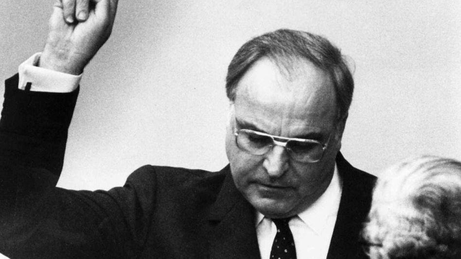 Helmut Kohl bei seiner Vereidigung im März 1983