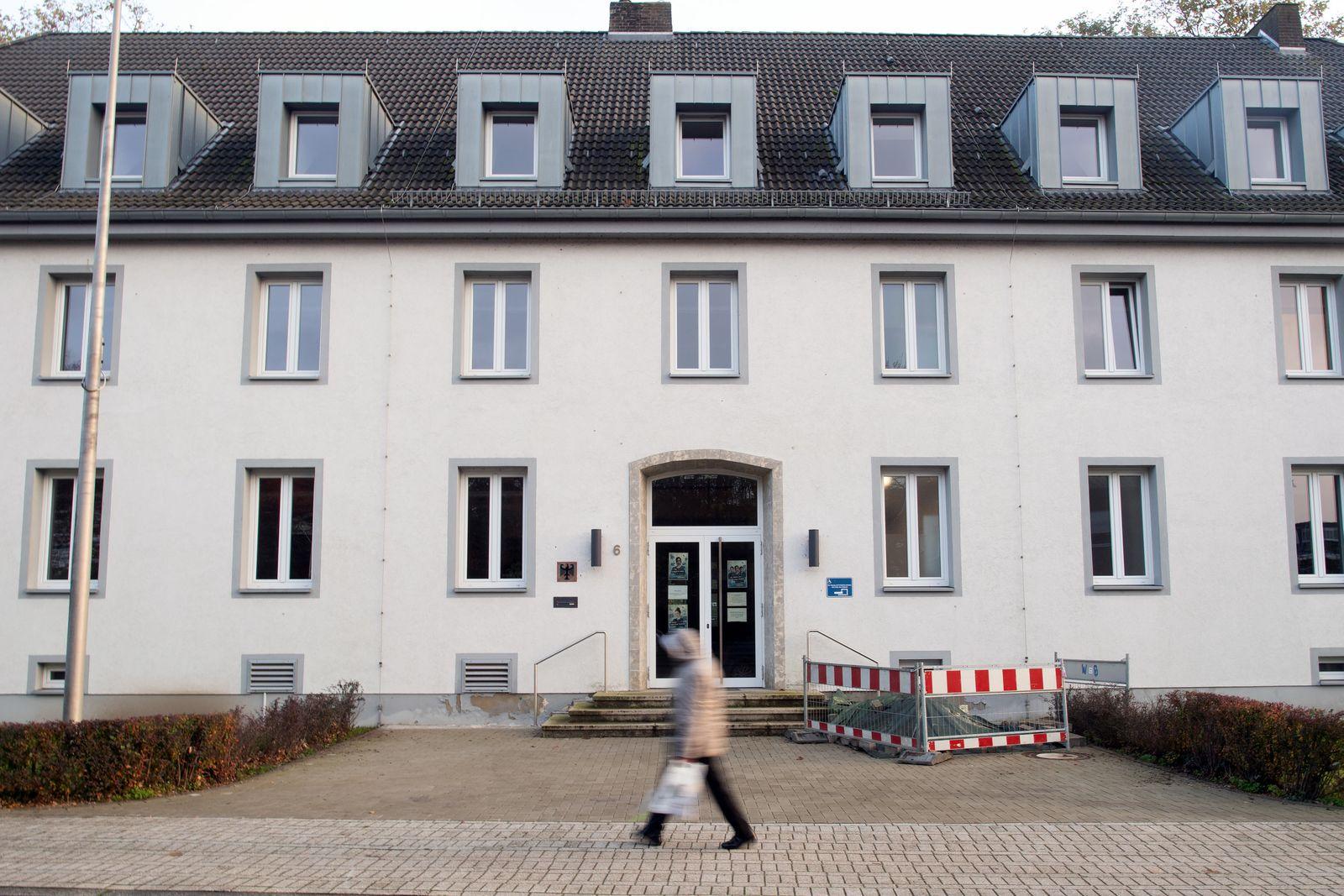 Loch in Keller von Zollamt gebohrt: 6,5 Millionen Euro Beute