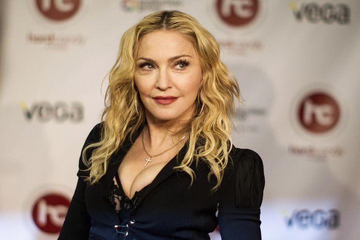 Pop-Königin Madonna: Plant Welttournee und neues Album für 2015