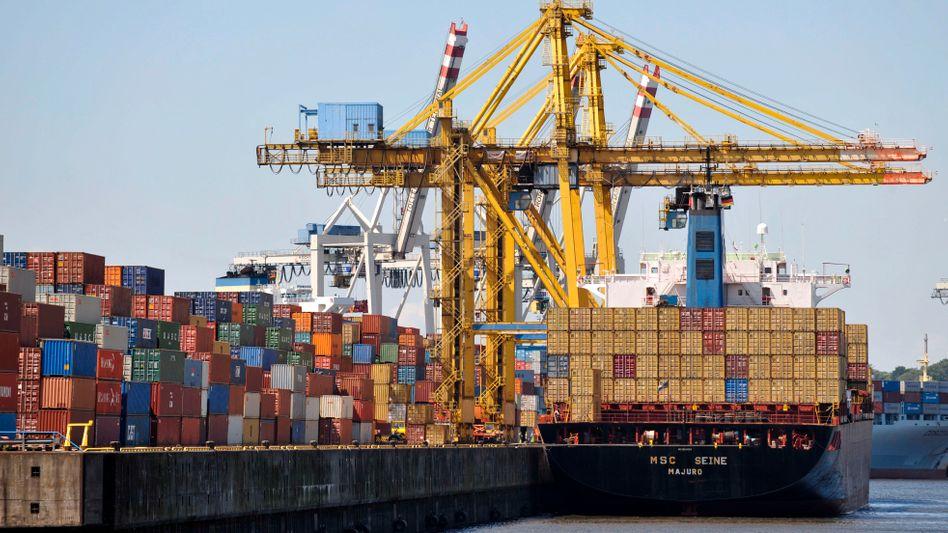 Hamburger Hafen: Experten warnen trotz des Exportrückgangs vor zu viel Pessimismus