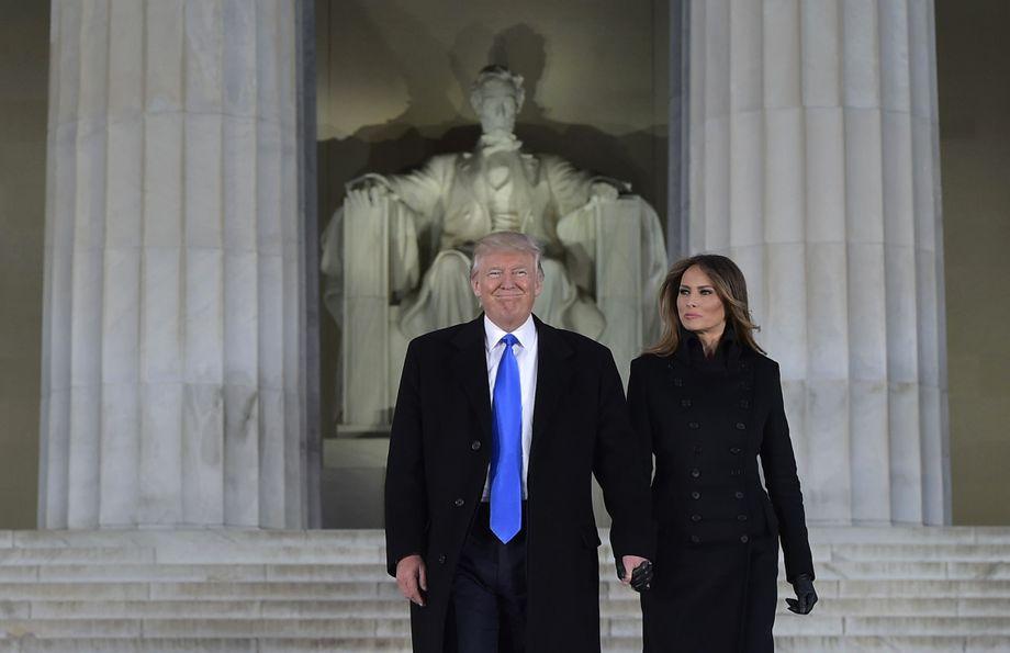 Die Trumps am Lincoln Memorial in Washington