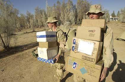 Kandahar-Flughafen: Die Geschenke sind eingetroffen
