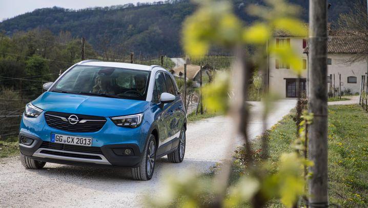 Autogramm Opel Crossland X: Strammer Start