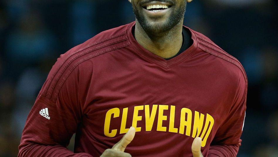 """James beim Spiel der Cleveland Cavaliers: """"Ein starkes LeBron-Business aufgebaut"""""""