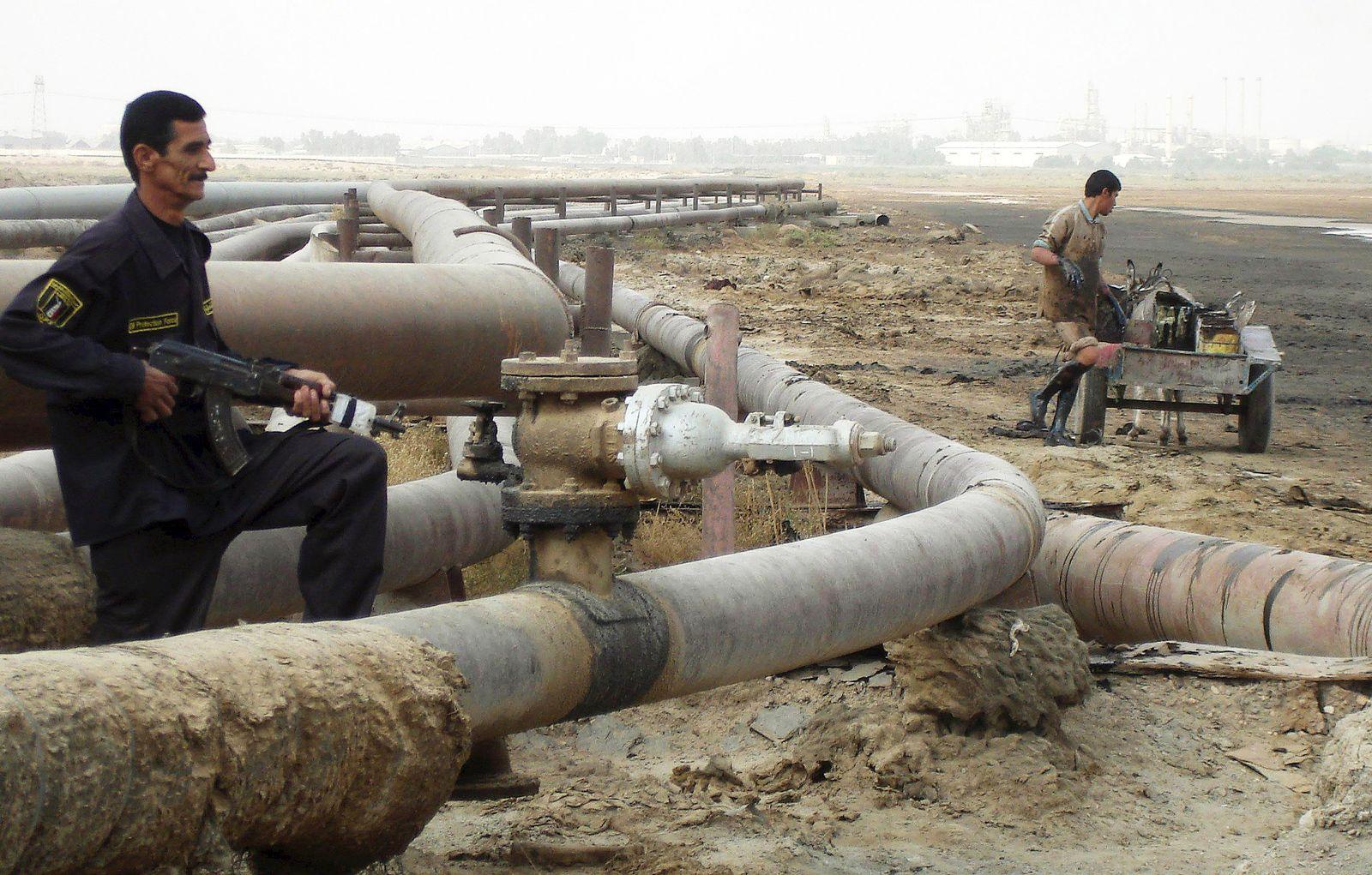 Ölpreis / Öl / Öl-Krise / Wache bei einer Pipeline bei Basra