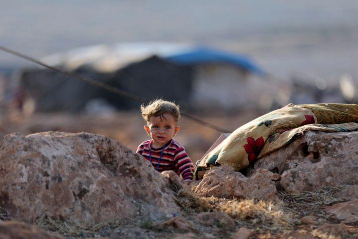 Ein Kind in einem Flüchtlingslager in Idlib