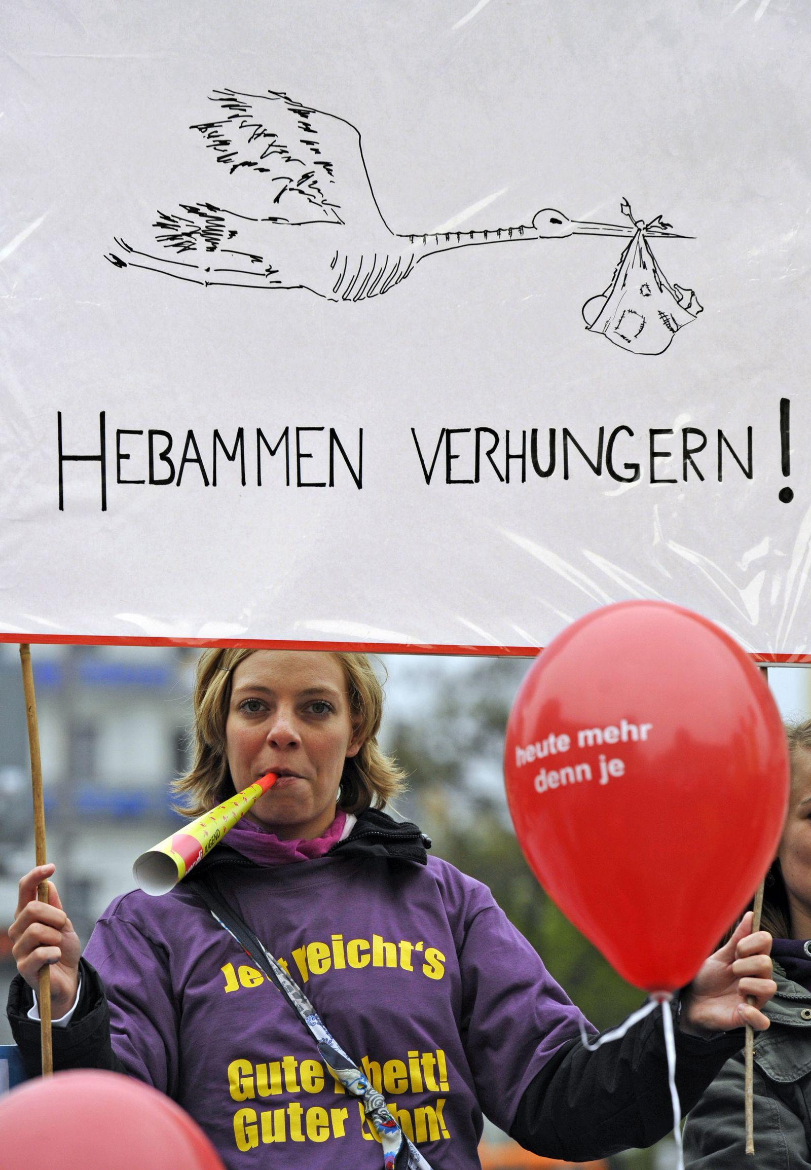 Hebammen-Protest