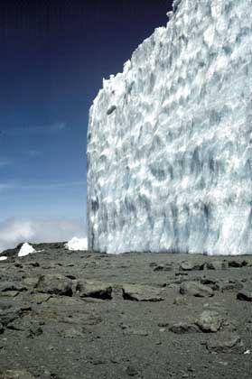 Gletscherzunge am Kilimandscharo: Massiver Rückzug