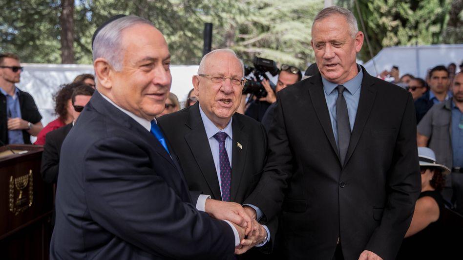 Benjamin Netanyahu (l./ Archivbild) und Benny Gantz (r.): Wie geht es weiter in Israel?