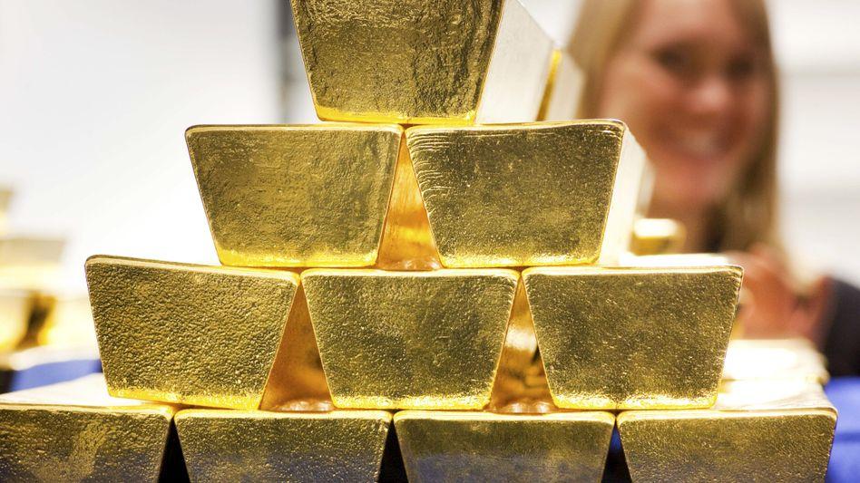 Goldbarren in einem Tresor der Deutschen Börse