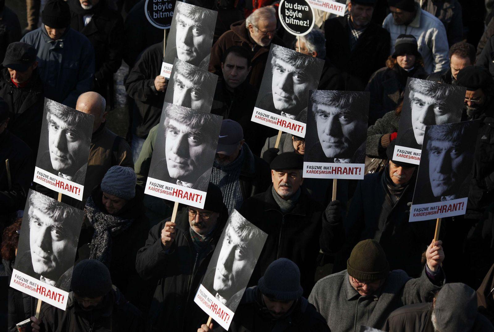 Hrant Dink Demonstranten