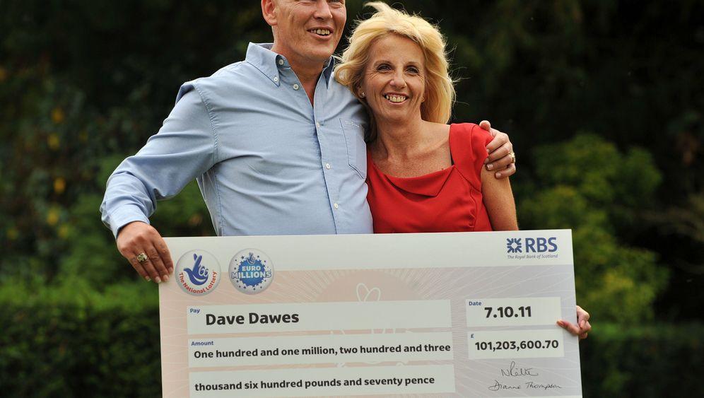 Jackpot-Heilige: Dave und Angela verschenken Millionen