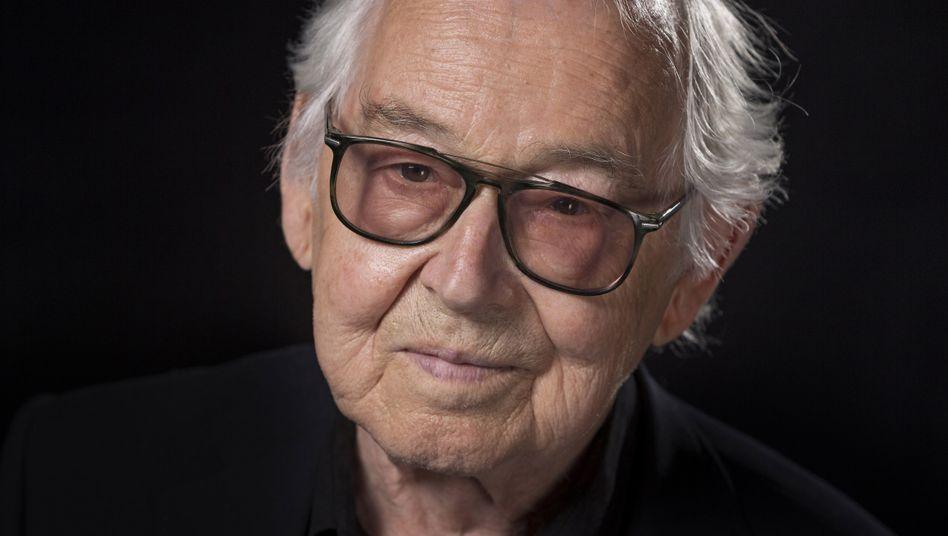 Der ehemalige Opel-Designer Erhard Schnell starb nach Firmenangaben im Alter von 92 Jahren, er entwarf unter anderem den Opel GT