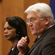 US Secretary of State Condoleezza Rice and German Foreign Minister Frank-Walter Steinmeier: Rice has made it clear to her German counterpart that the investigations of the agents present a serious problem.