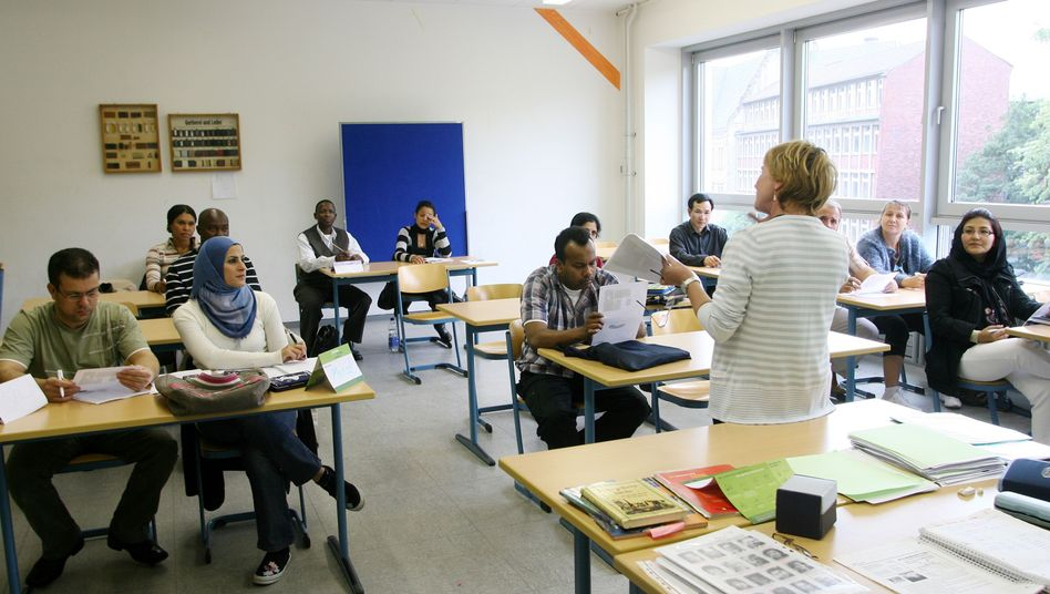 A German immigration course in Oberhausen.