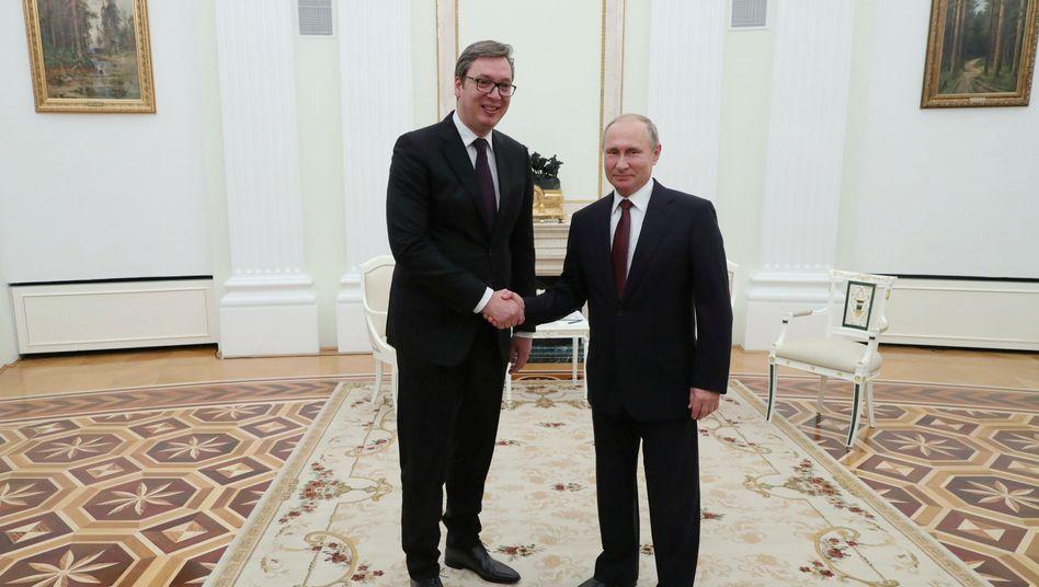 Aleksandar Vucic und Wladimir Putin (im Oktober 2018): Beziehung kühlt derzeit eher ab