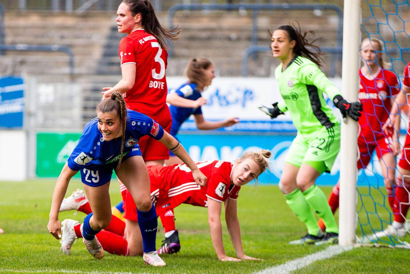 21.04.2021, xfrx, Fussball 1.Bundesliga Damen, Turbine Potsdam - FC Bayern Muenchen emspor, v.l. Selina Cerci (1.FFC Tur