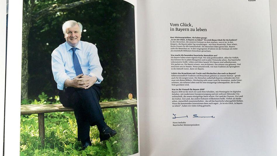 Landesvater Seehofer im Bildband: Vom Glück, in Bayern zu leben